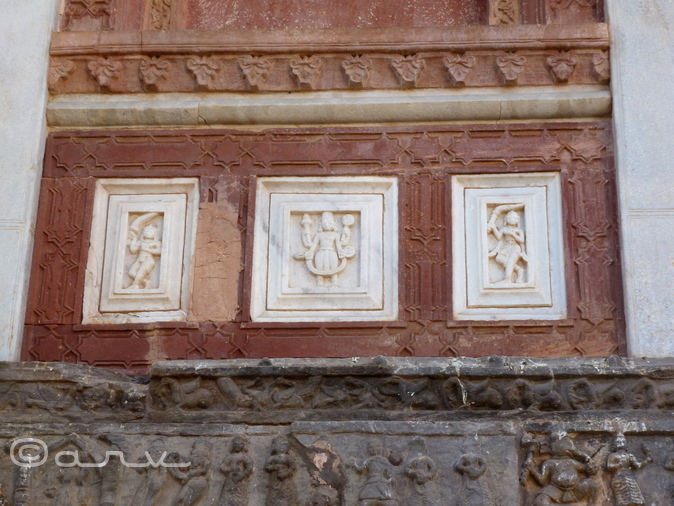 Detailing at jagat shiromani temple