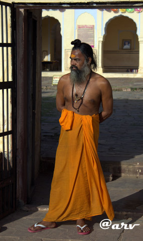 baba-at-charan-temple-nahargarh-hills-jaipur