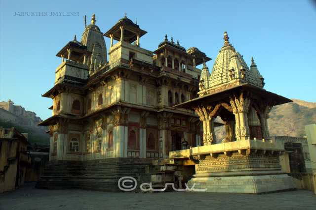 jagat-shiromani-temple-front-view