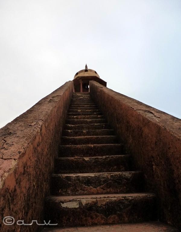 steps-charan-temple-jaipur