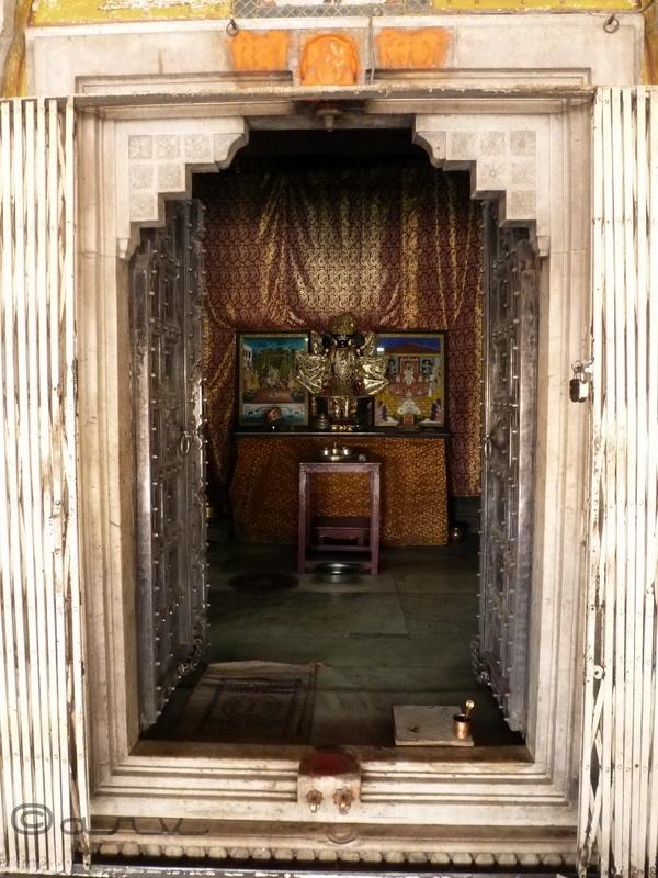 sanctum Chaturbhuj Temple jaipur