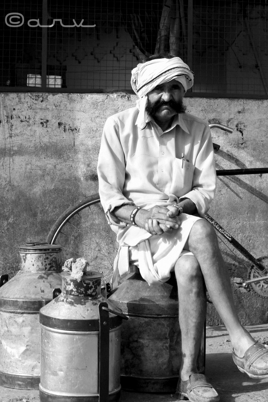 doodh mandi jaipur milk seller