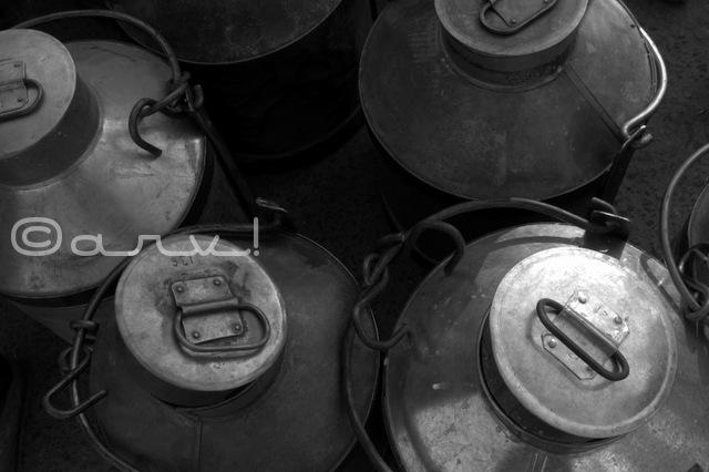 metal-storage-cans-milk-market-doodh-mandi-jaipur-jaipurthrumylens