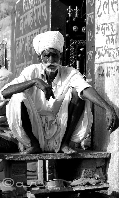 milk seller in jaipur milk market