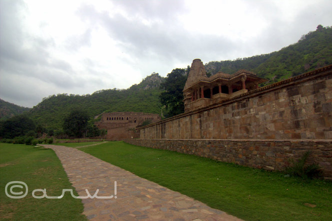 bhangarh-fort-near-jaipur-rajasthan-india
