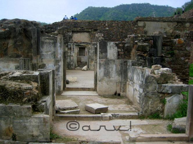 creepy-places-in-india-bhangarh