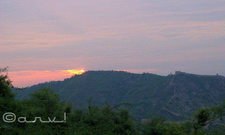 great-wall-of-amer-jaipur