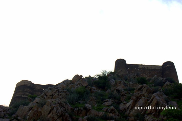achrol-fort-near-jaipur
