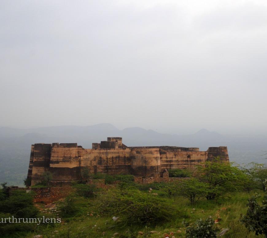 achrol-fort-rajasthan