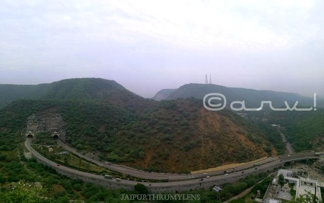 ghat-ki-guni-tunnel-jaipur-agra-road-aravalis
