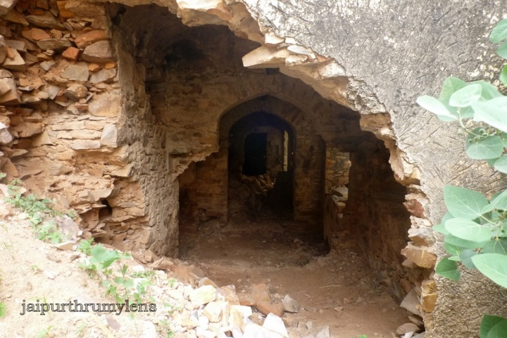 ruins of achrol fort jaipur