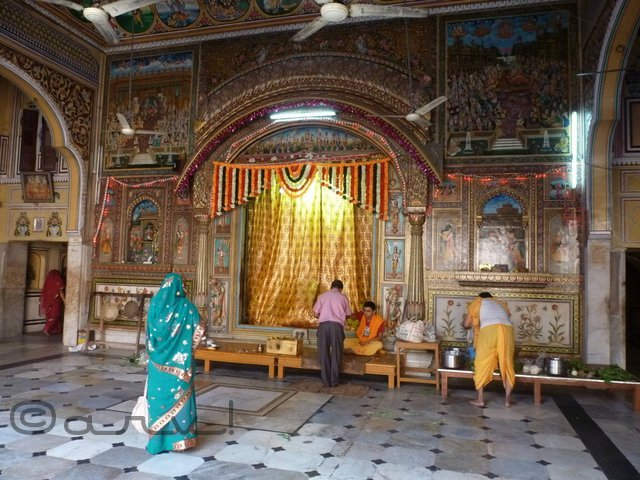 heritage-places-to-see-in-jaipur-sri-ramchandra-temple-