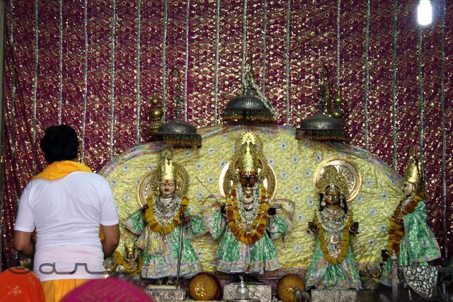 idols-of-lord-ram-at-ramchandra-temple-jaipur
