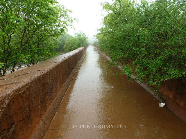 nahargarh water walk heritage water conservation system jaipur in monsoon
