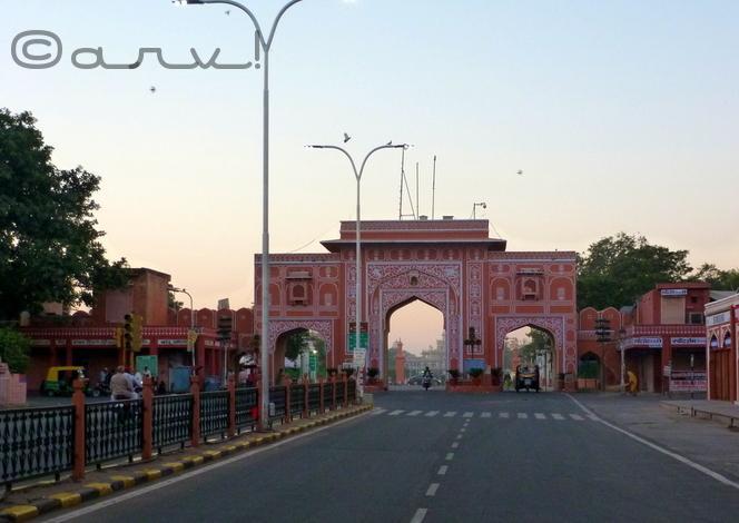 new-gate-jaipur-chaura-rasta