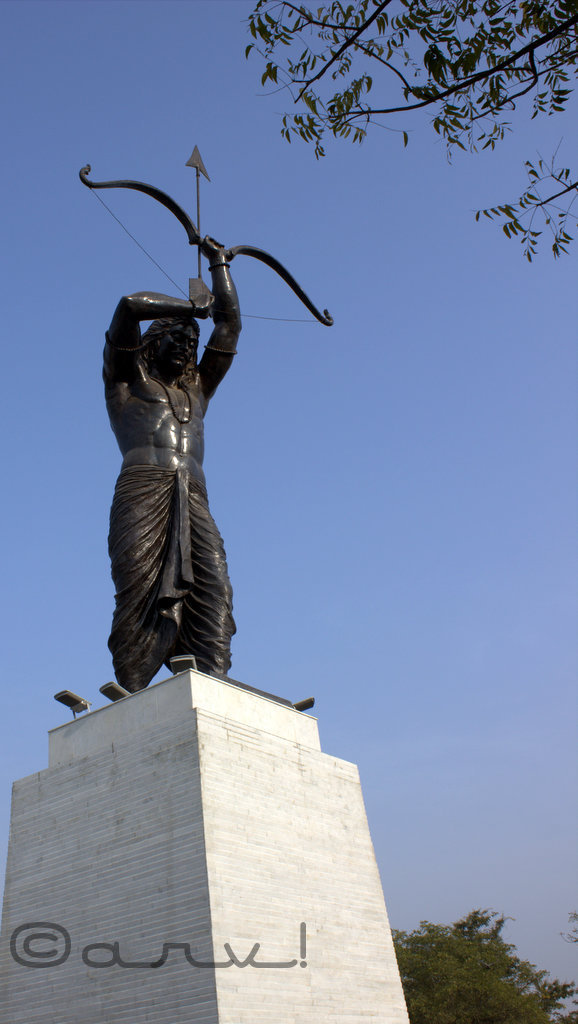 arjun-statute-jaipur-sms-stadium