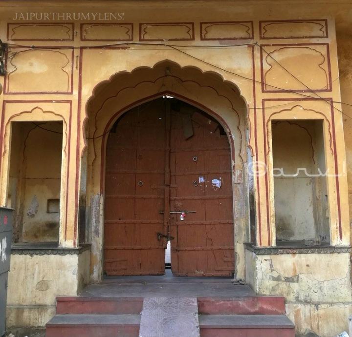 entrance-pratapeshwar-temple-jaipur-gate-pol-heritage-building-shiva-mandir