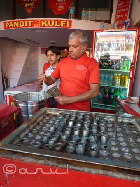 pandit-kulfi-in-jaipur-sirehdyodi-bazar