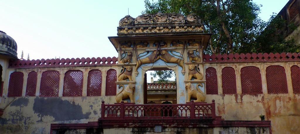 pratapeshwar-temple-jaipur-lord-shiva-city-palace