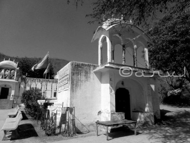 ancient-baori-in-jaipur-near-heritage-raj-rajeshwari-temple-jaipurthrumylens