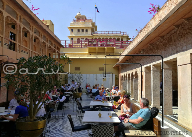 baradari-restaurant-jaipur-city-palace-photo