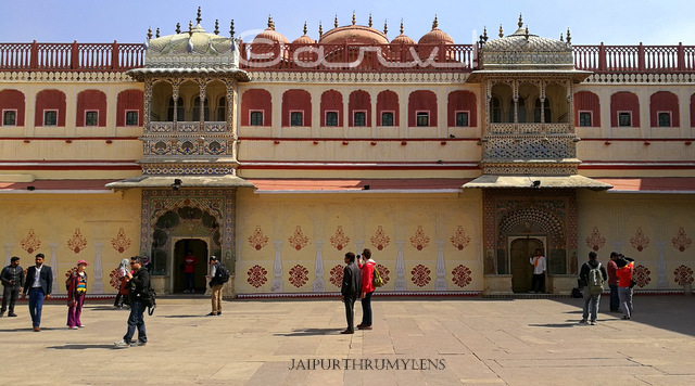 city-palace-achitecture-peacock-gate-jaipur-best-blogs