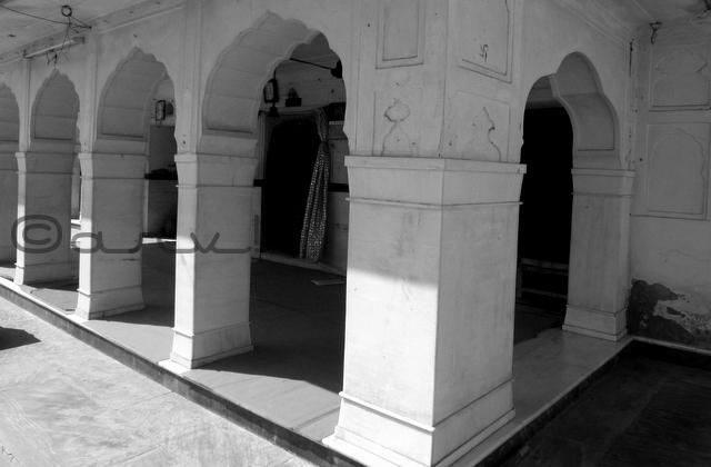 must-see-heritage-temple-in-jaipur-raj-rajeswari-mandir-jaipurthrumylens