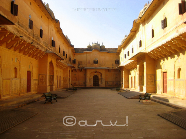 popular-tourist-attraction-in-jaipur-madhvendra-palace-nahargarh-fort-rajasthan-review