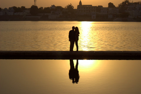 valentine-day-happy-couple-in-pushkar-rajasthan-india-jaipurthrumylens