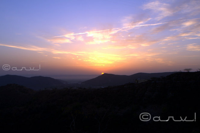 friday-skywatch-sunrise-vivid-sky-blog-on-jaipur-jaipurthrumylens