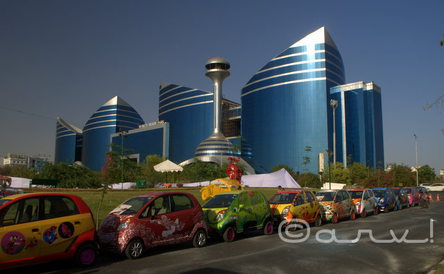 hand-painted-tata-nano-at-cartist-exhibition-jaipur-in-front-of-world-trade-park