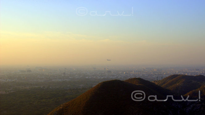 landscape-weekly-photo-challenge-flight-descending-on-jaipur-airport-jaipurthrumylens