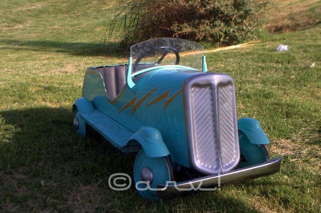 miniature-vintage-car-at-cartist-jaipur-exhibition-jaipurthrumylens