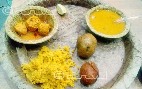 rajasthani-food-in-jaipur-dal-baati-churma-jaipurthrumylens