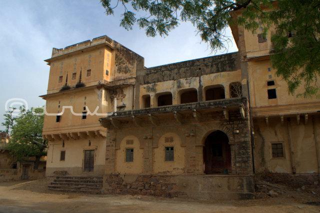 beautiful-palace-near-jaipur-in-village-naila-fatehgarh-jaipurthrumylens
