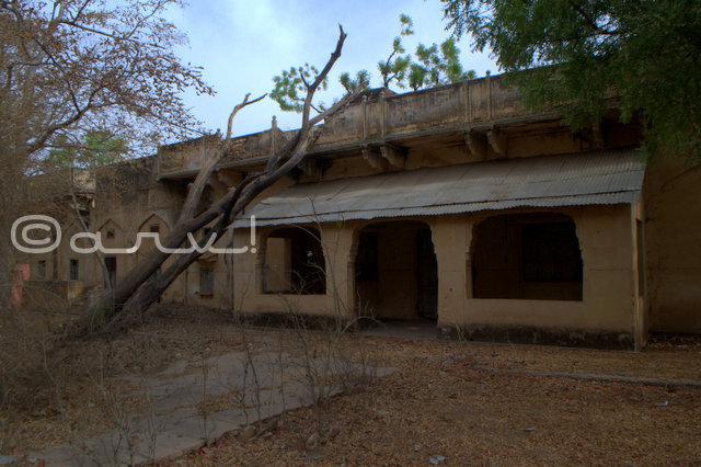heritage-buildings-jaipur-requiring-repair-village-naila