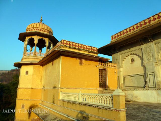 kanak-vrindavan-temple-garden-jaipur-natwar-ji-mandir-kanakghati