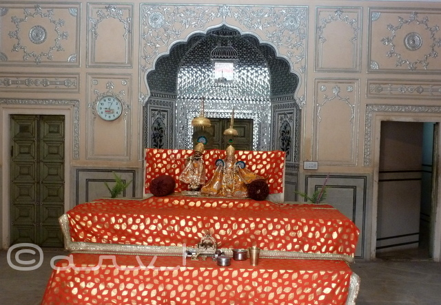 kanak-vrindavan-temple-jaipur-natwar-ji-ka-mandir--jaipurthrumylens