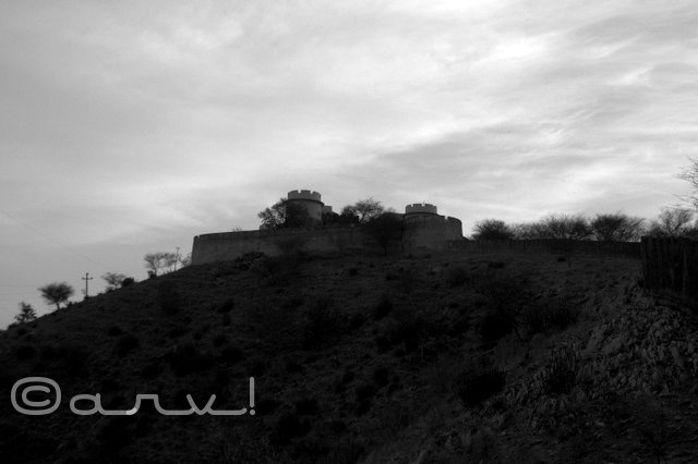 naila-fort-view-from-outside