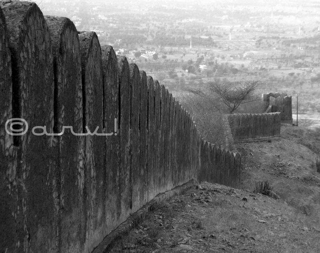 picture-of-rampart-naila-fort-jaipurthrumylens