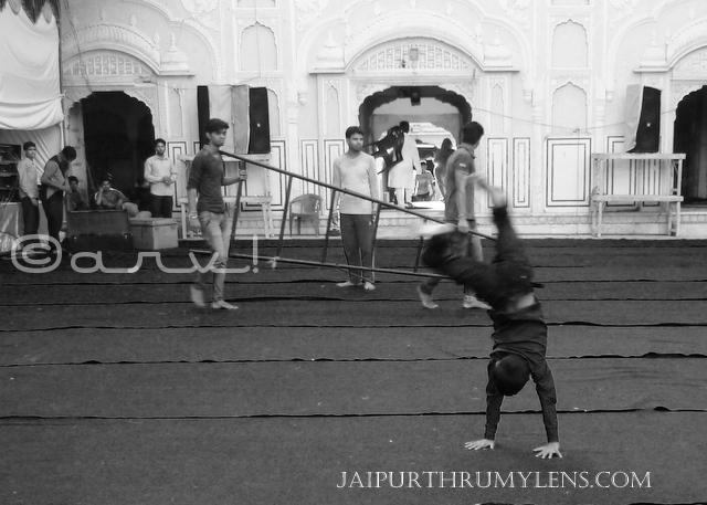 go-wheeling-kid-ramchandra-temple-jaipur-janmasthmi-celebrations