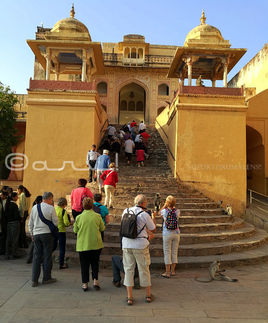 tourists-entering-ganesh-pol-amber-fort-jaipur-india-jaipurthrumylens