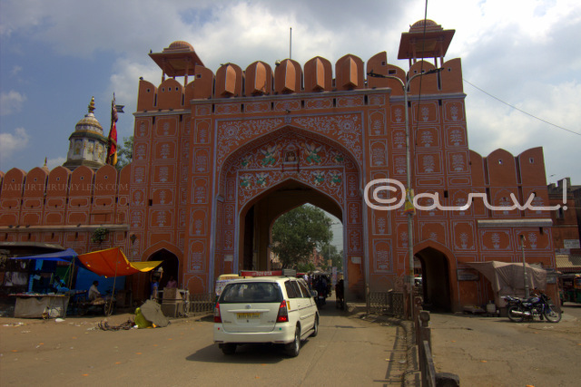 chandpol-gate-walled-city-history-of-jaipur-chandpol-bazaar-jaipurthrumylens