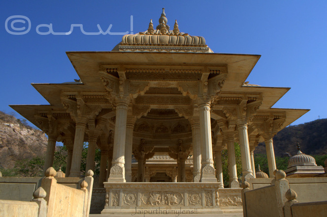 chhatris-tombs-cenotaph-royal-gaitore-jaipur-must-visit-place-tourist-attraction-india-jaipurthrumylens