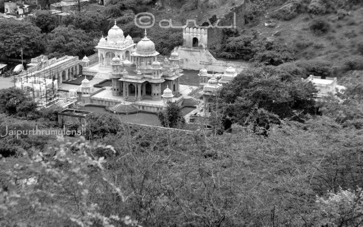 maharajah-sawai-jai-singh-ii-picture-royal-gaitore-tourist-attraction-in-jaipur-jaipurthrumylens