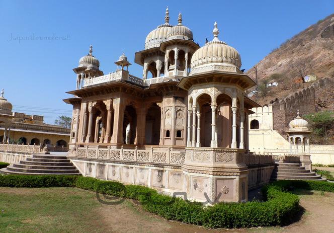 rajput-chhatri-mable-sandstone-tomb-maharajah-sawai-jai-singh-ii-royal-gaitore-must-visit-places-jaipur-jaipurthrumylens