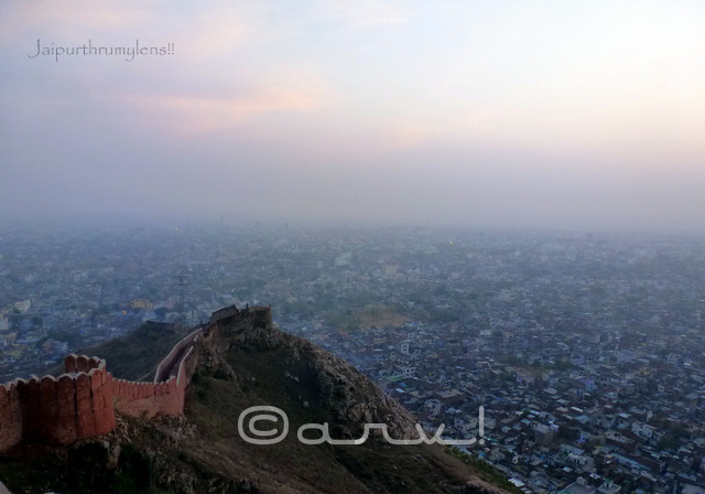 unset-view-from-nahargarh-fort-padao-open-air-bar-jaipur-jaipurthrumylens