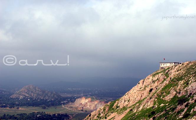 temple-on-mountain-jaipur-rajasthan-india-weekly-photo-challenge-edge-jaipurthrumylens-nature-hiking