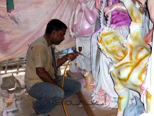 bengali-workers-in-jaipur-preparing-for-durgapuja