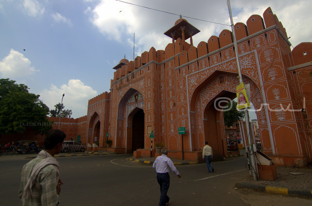 sanganeri-gate-johari-bazaar-gates-of-jaipur-jaipurthrumylens